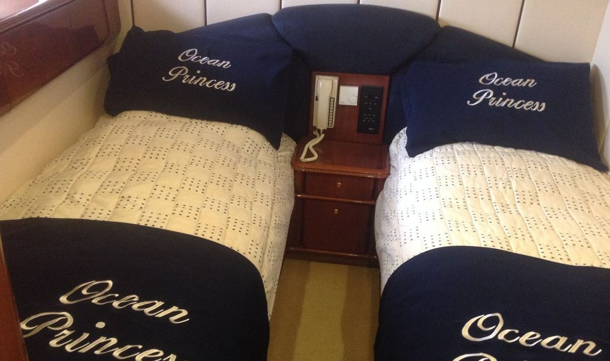 Cabin 3 with two twin beds
